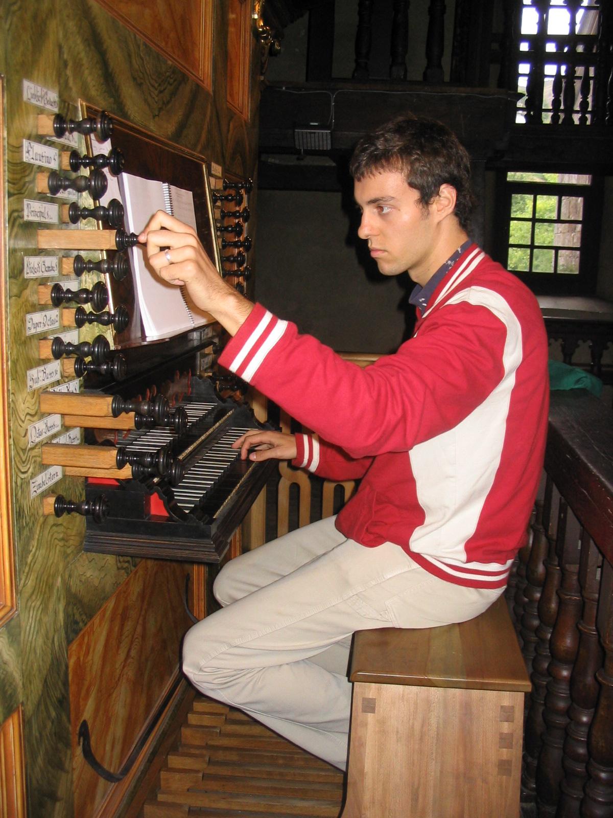 Instrumentos musicales: El órgano de tubos